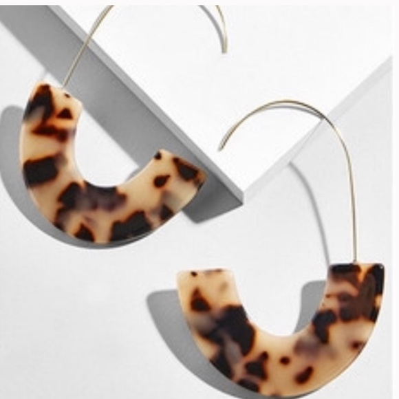 fancy fashions Jewelry - Multi color tan resin acrylic statement hoops
